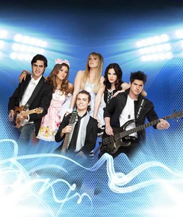 """EME 15"""" por cuarta semana es el disco en español más vendido en"""