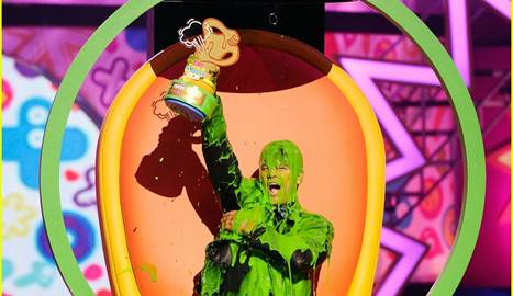 JOSH DUHAMEL - PINTADO - PREMIOS KIDS CHOICE AWARDS