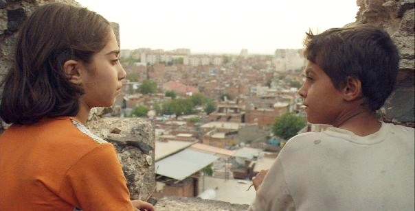 The children of Diyarbakir - CINEMA 22 - CANAL 22