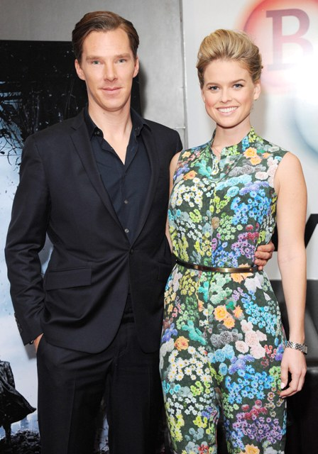 STAR TREK IN THE DARKNESS - MOVIE - BENEDICT CUMBERBATCH - ALICE EVE