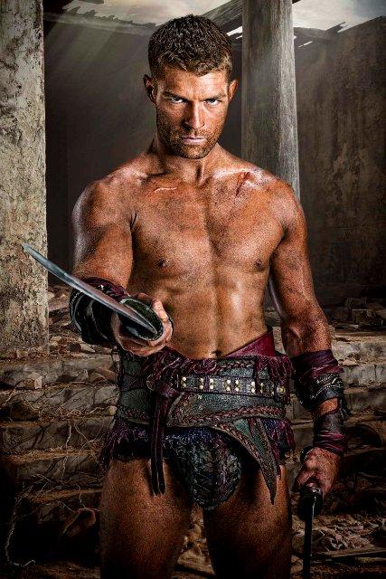 1233Liam-McIntyre-es-Spartacus-en-Spartacus-Venganza_01