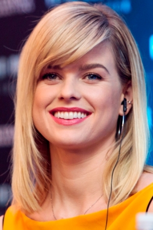 ALICE EVE - STAR TREK - CONFERENCIA DE PRENSA - MEXICO - FOTO 7