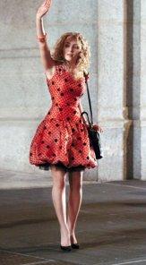 Copia de Anna Sophia_Polka dot dress (c) Warner Bros. Entertainment Inc.