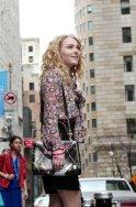 Copia de AnnaSophia Robb as Carrie Bradshaw_City (c) Warner Bros. Entertainment Inc.