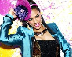 Copia de Freema Agyeman as Larissa Loughton_Paint Splatters (c) Warner Bros. Entertainment Inc.
