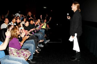 DA1068 - WORLD WAR Z - EVENT - BRAD PITT - FANS