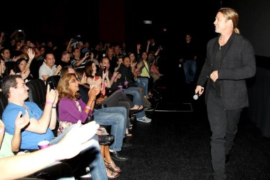 DA1072 - WORLD WAR Z - EVENT - BRAD PITT - FANS - FOTO 2