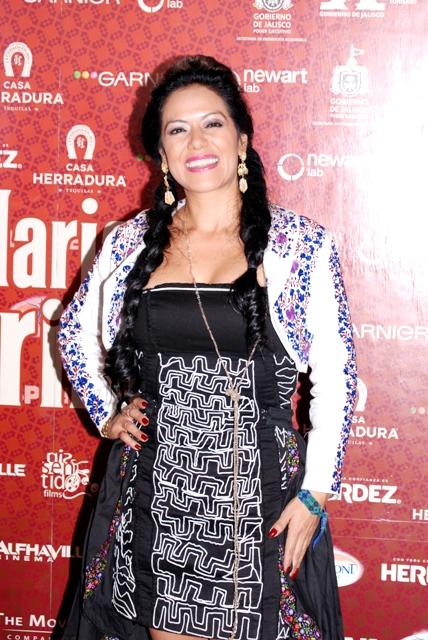 LILA DOWNS - ALFOMBRA ROJA - EL MARIACHI GRINGO - MEXICO