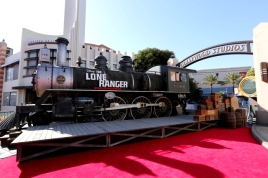 IMG_2159 - THE LONE RANGER - RED CARPET - DISNEY - CALIFORNIA - TRAIN