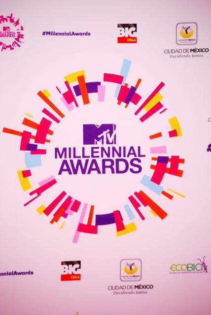 0064 - ALFOMBRA ROJA - MTV MILLENIAL AWARDS - 2013
