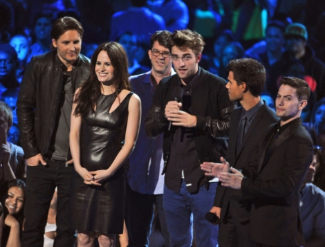 robert_pattinson_twilight_cast_getty151393571