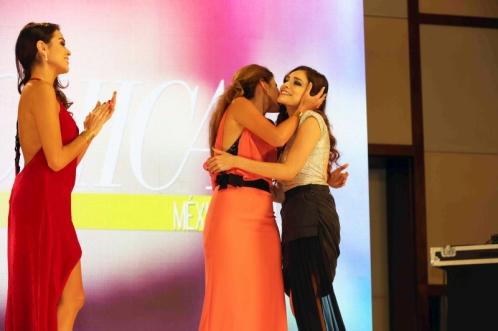 10. Alejandra Aguayo, Sofía Rivera Torres y Tania Rendón