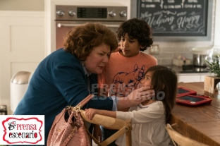 Margo Martindale, Julianna Gamiz and Gustavo Quiroz in Instant Family from Paramount Pictures.