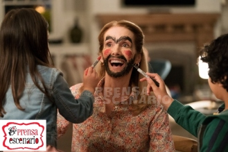 Julie Hagerty, Julianna Gamiz and Gustavo Quiroz in Instant Family from Paramount Pictures.