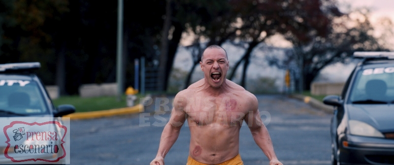 GLASS The Beast (James McAvoy) Photo: Film Frame ©Universal Pictures