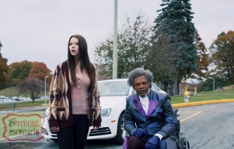 GLASS L to R: Anya Taylor-Joy as Casey Cooke and Samuel L. Jackson as Elijah Price/Mr. Glass in Glass, written and directed by M. Night Shyamalan. Photo Credit: Universal Pictures