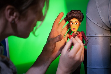 Behind the scenes craftsmanship on director Chris Butler's MISSING LINK, a Laika Studios Production and Annapurna Pictures release. .Credit : Laika Studios / Annapurna Pictures